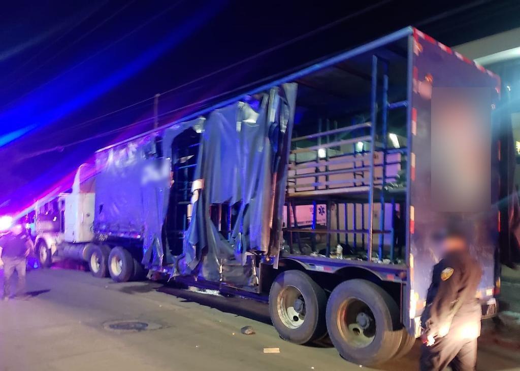 Detienen a centenares de migrantes ocultos en un camión de refrescos en Chiapas