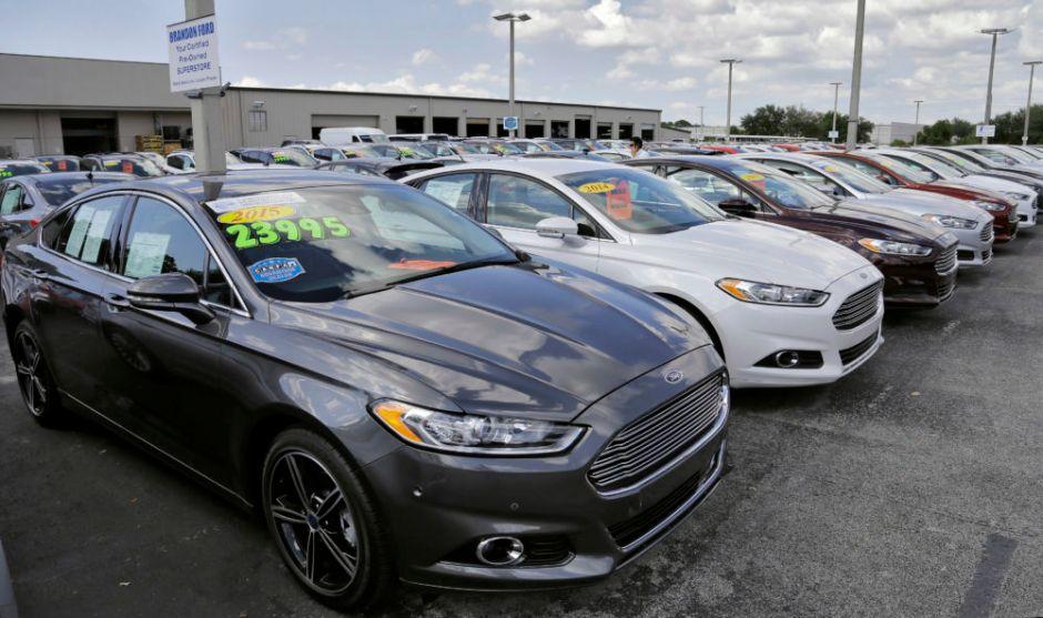 7 autos medianos que puedes comprar usados por menos de $10,000