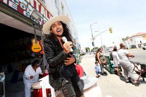 Empresario inmigrante no se rinde ante inseguridad de Los Ángeles