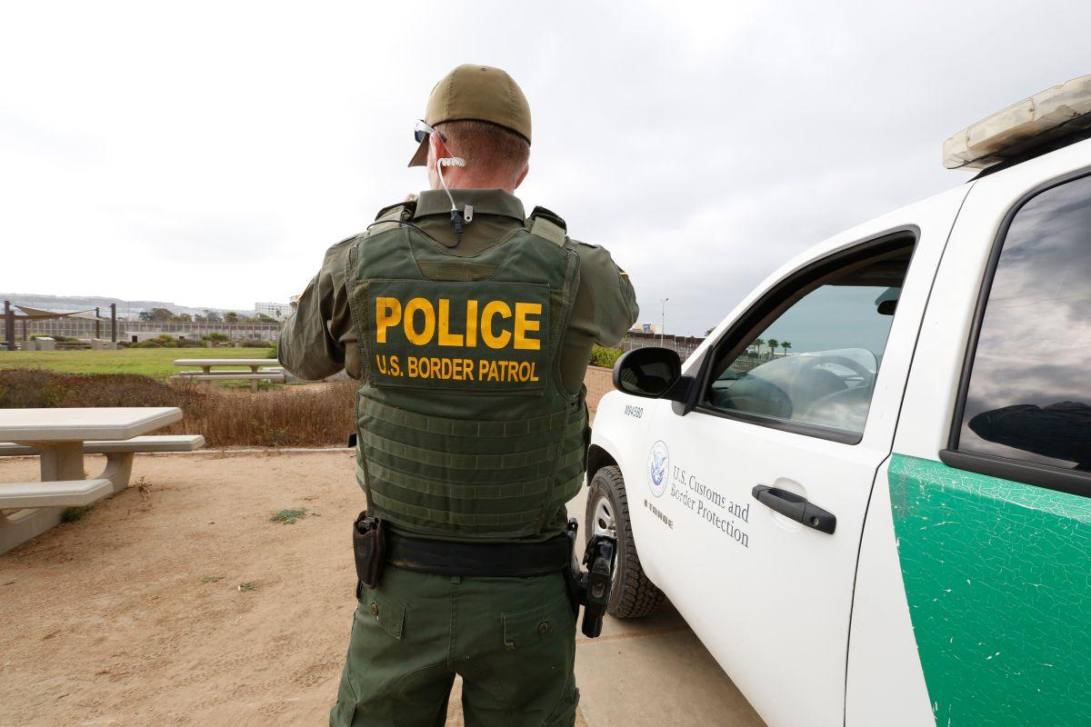 Agente de la Patrulla Fronteriza balea a cuatro personas cerca de la frontera con México