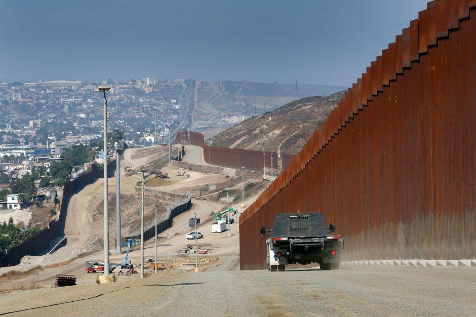 Juez federal frena el plan de Trump para pagar por el muro