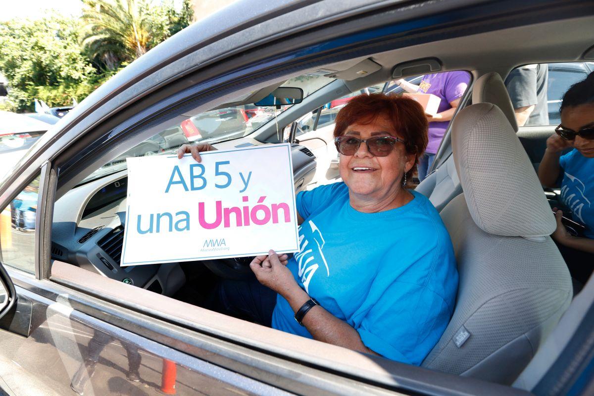 AB5: De contratista independiente a empleado con beneficios