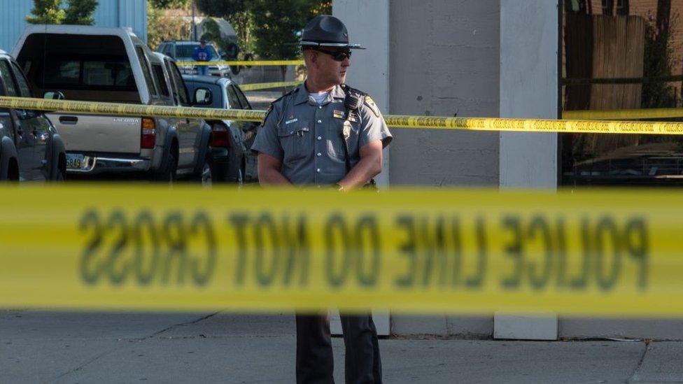 Además de las nueve víctimas, el atacante también murió, abatido por la policía