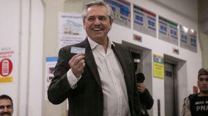 Alberto Fernández se impuso a Mauricio Macri en las elecciones primarias en Argentina