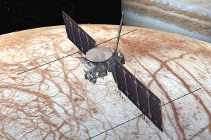 Por qué la NASA quiere explorar la luna Europa de Júpiter