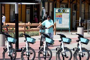 Metro busca conectar a la comunidad en dos ruedas
