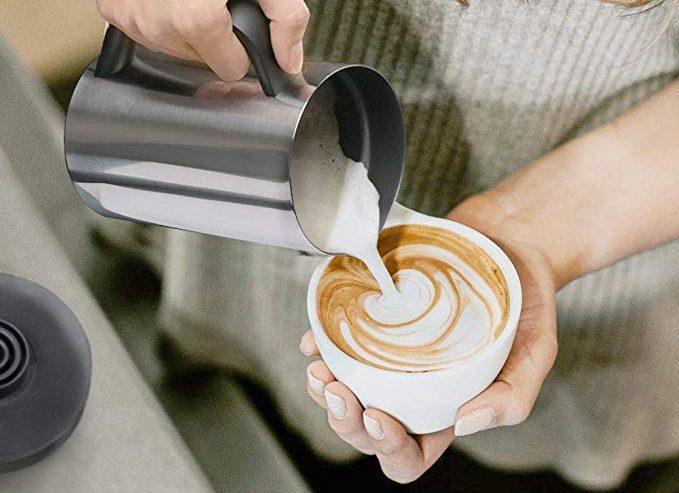 4 calentadores de leche automáticos para preparar tu café en poco tiempo por las mañanas