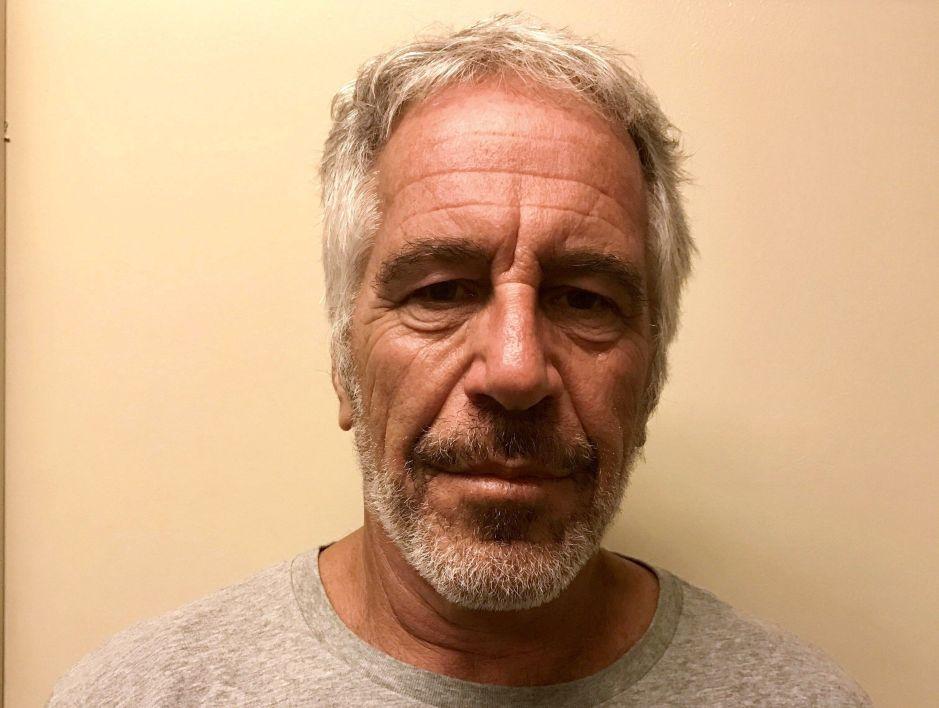 """Docenas de supuestos """"hijos"""" de Epstein se apuntan para cobrar herencia millonaria tras suicidio en Nueva York"""