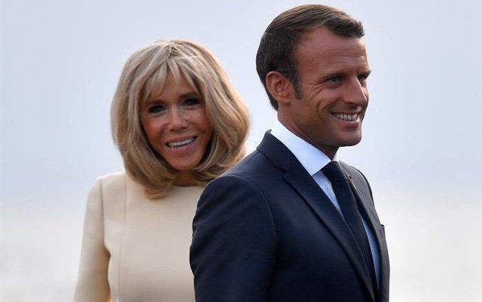 Emmanuel Macron y su esposa Brigitte.