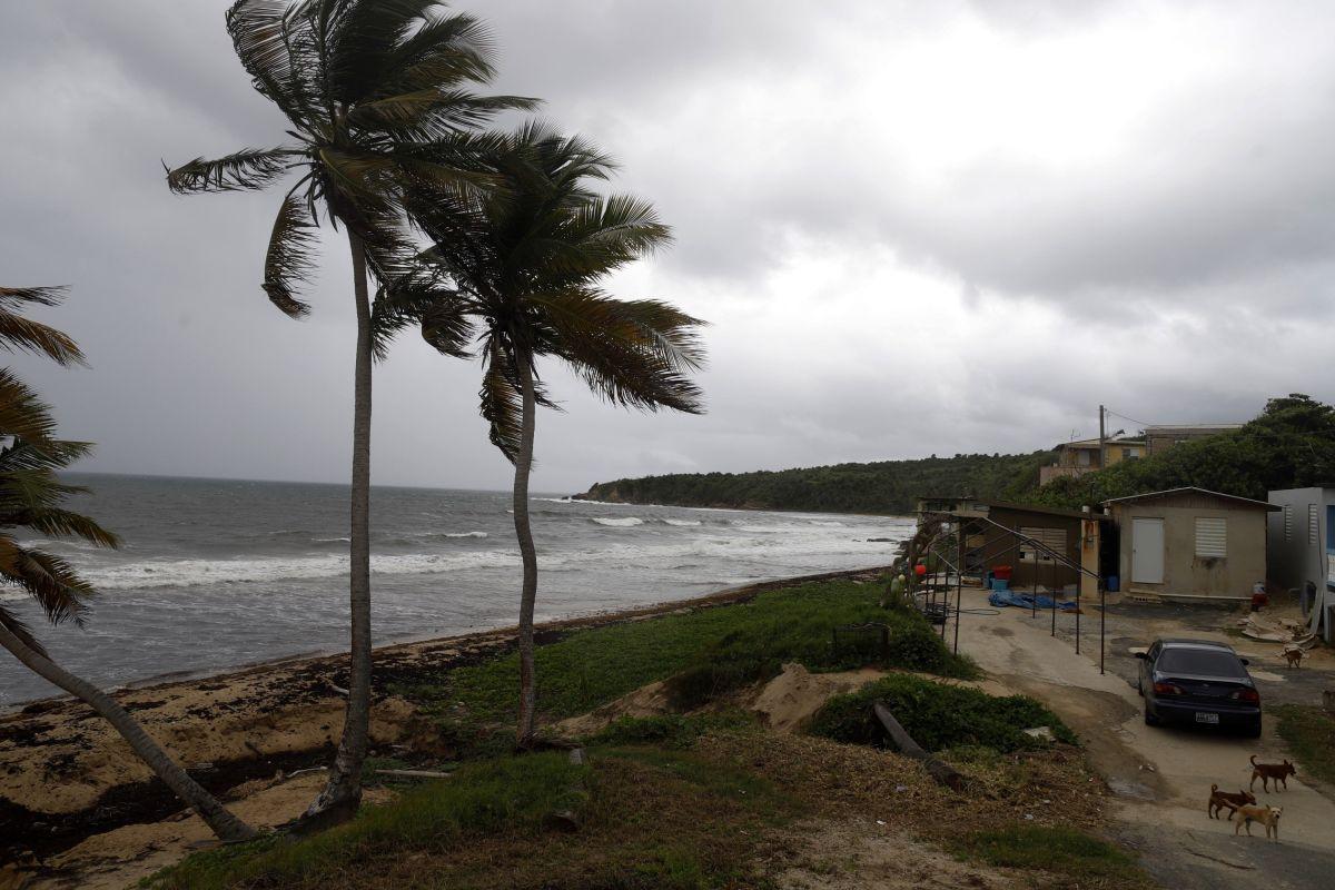 Playa de El Negro en Yabucoa, Puerto Rico, por donde se esperaba la entrada del huracán.