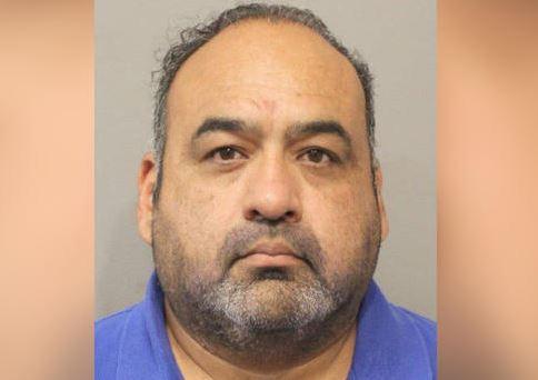 Houston: Un hombre es acusado de apuntarle una pistola a un conductor en plena autopista