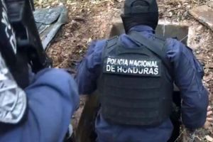 """El túnel subterráneo al estilo """"El Chapo"""" que escondía el """"santuario de la MS-13"""" en Honduras"""