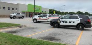 Arrestan a un hombre con rifle y chaleco antibalas en un Walmart en Missouri