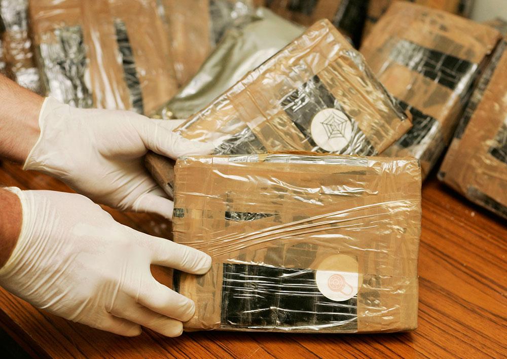 Paquetes de cocaina confiscada.