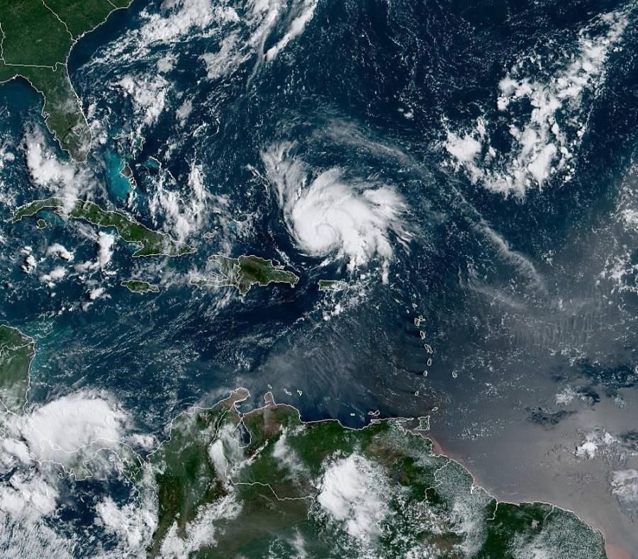 Florida recibiría hasta 12 pulgadas de lluvia por el paso del huracán Dorian