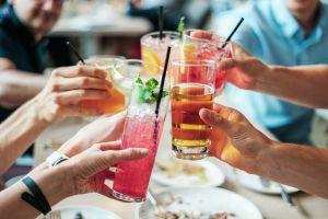 Conoce los 5 cócteles con alcohol con menos calorías
