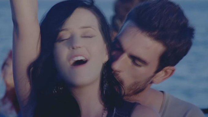 Katy Perry es acusada de acoso sexual por el modelo Josh Kloss