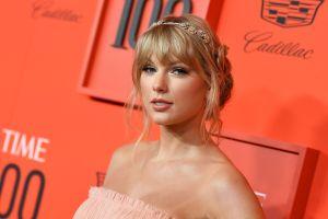 """Increíble: Taylor Swift anuncia el lanzamiento de su noveno disco de estudio, tras el éxito de  """"Folklore"""""""