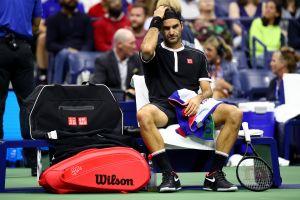 US Open: Federer avanza pero no convence en la noche inaugural