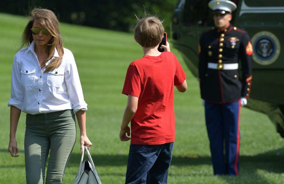 La foto de Barron Trump con sus padres que se volvió viral