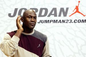 Michael Jordan gana más que Messi, Cristiano y Neymar, ¡sólo por la venta de su calzado deportivo!