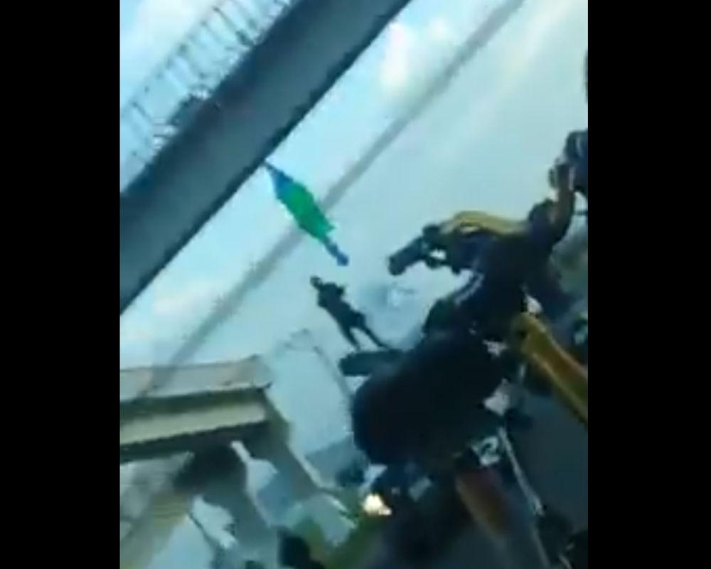 VIDEO: Grupo élite del CJNG se adjudica ejecución de 2 colgados en puentes