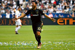 ¡Imparable! Carlos Vela es el sexto mejor goleador del mundo