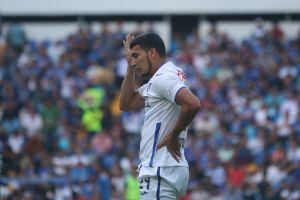 El tronco de la semana: Juan Escobar y la ridícula defensa del Cruz Azul