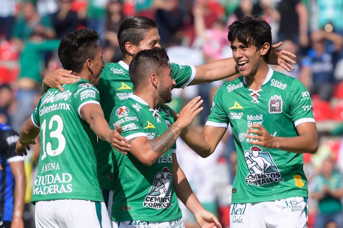 Los Gallos de Querétaro perdieron el invicto y el liderato del torneo al caer 0-4