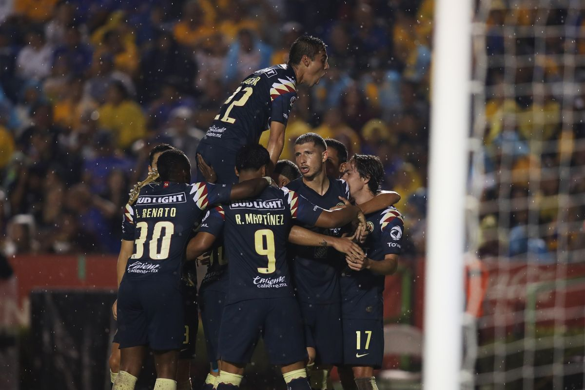 Un empate a uno marcó el debut de Memo Ochoa ante Tigres