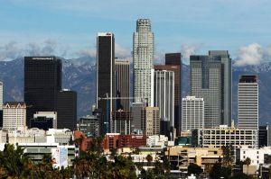 Alcalde de Los Ángeles anuncia expansión del programa Angeleno Card gracias a una donación de Qatar