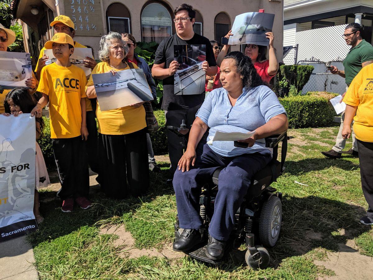 Silvia Mendoza se unió a sus vecinos para protestar por una mejor vivienda. (Jacqueline García)