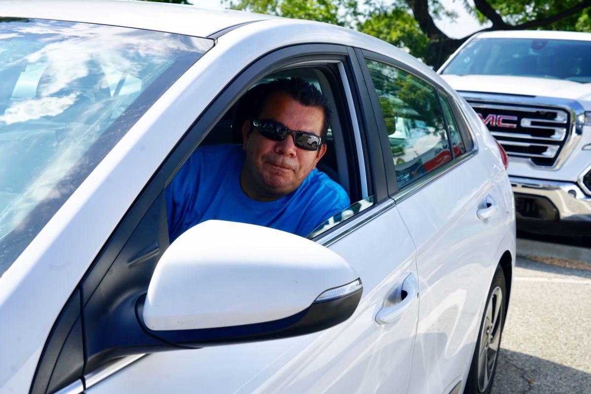 Conductores de Uber, Lyft piden sueldo mínimo de $30 la hora