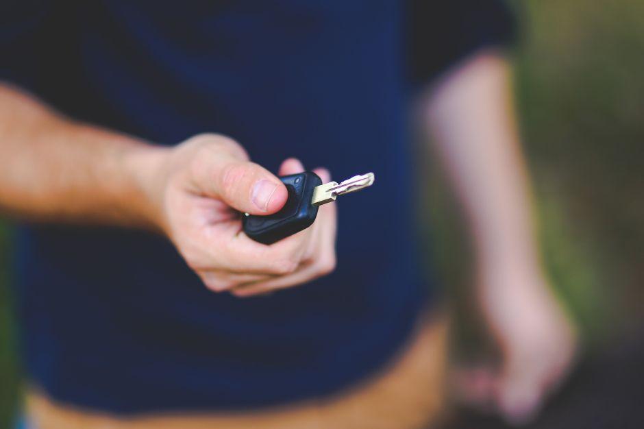 ¿Cuánto cuesta un cerrajero de auto ante una emergencia en Estados Unidos?