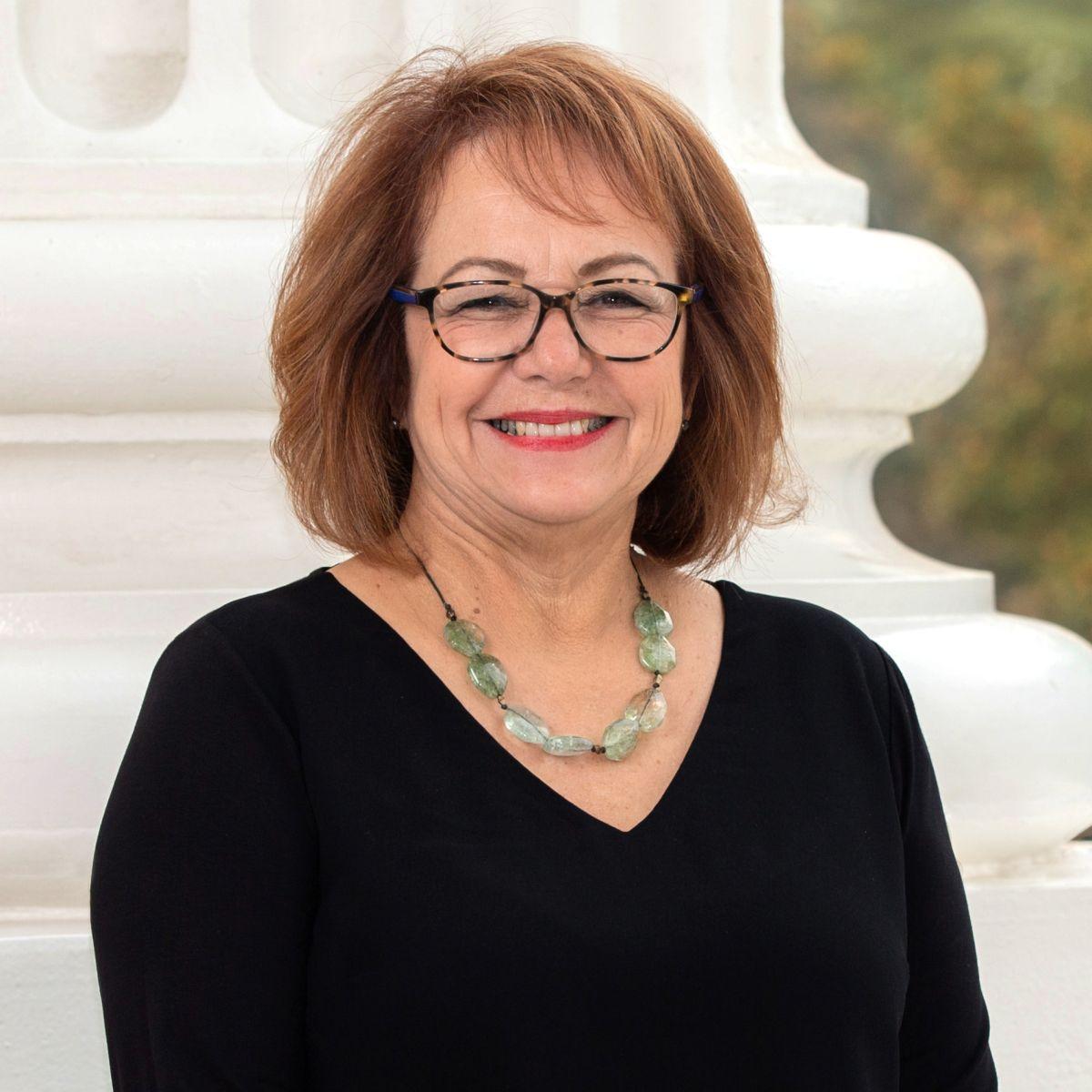 La senadora estatal   Maria Elena Durazo  (Cortesía Oficina en el Senado)