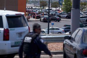 Reabre entre críticas Walmart de El Paso en el que ocurrió masacre contra hispanos