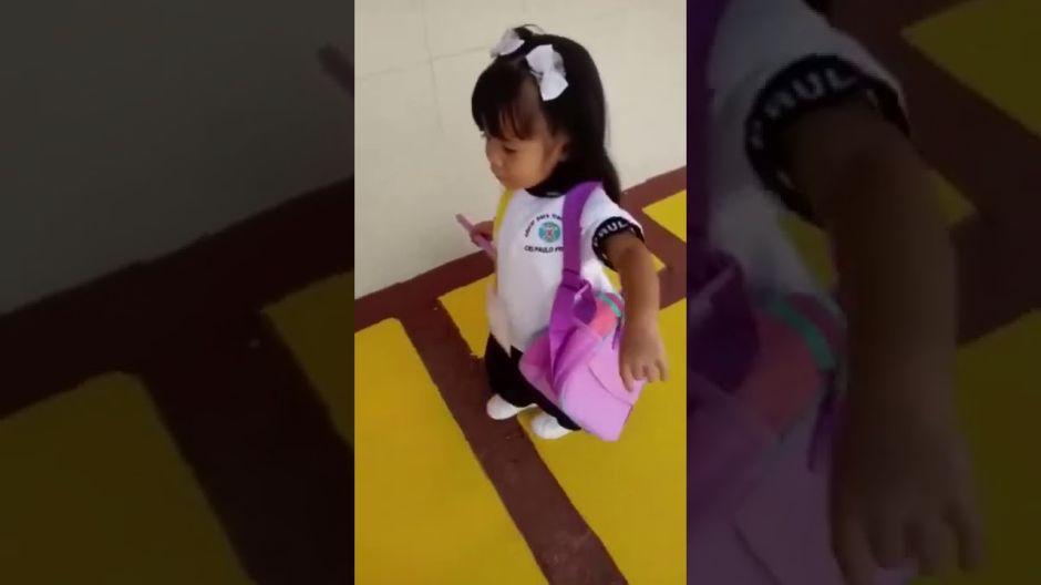 """""""Bailamos, cantamos, hicimos 'desmaye'"""", así narra niña su primer día de clases"""