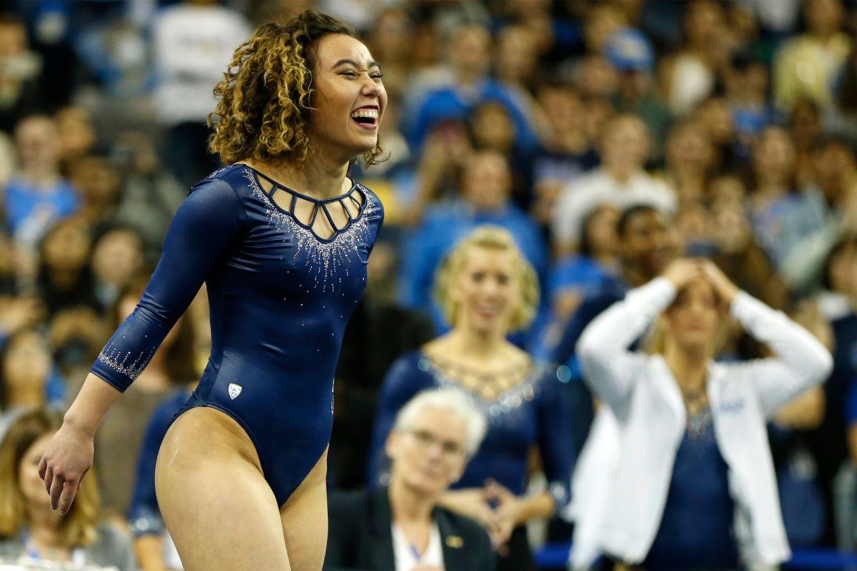 Katelyn Ohashi, de la Universidad de California en Los Angeles, se ha convertido en un ícono del deporte y la superación personal.