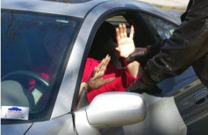 Un hispano robó más de 12 autos entre marzo y junio en Los Ángeles