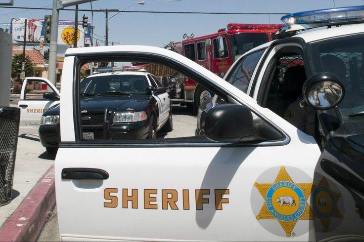 Persecución policial desde el Este de Los Ángeles finalizó en el techo de una casa en Bell Gardens