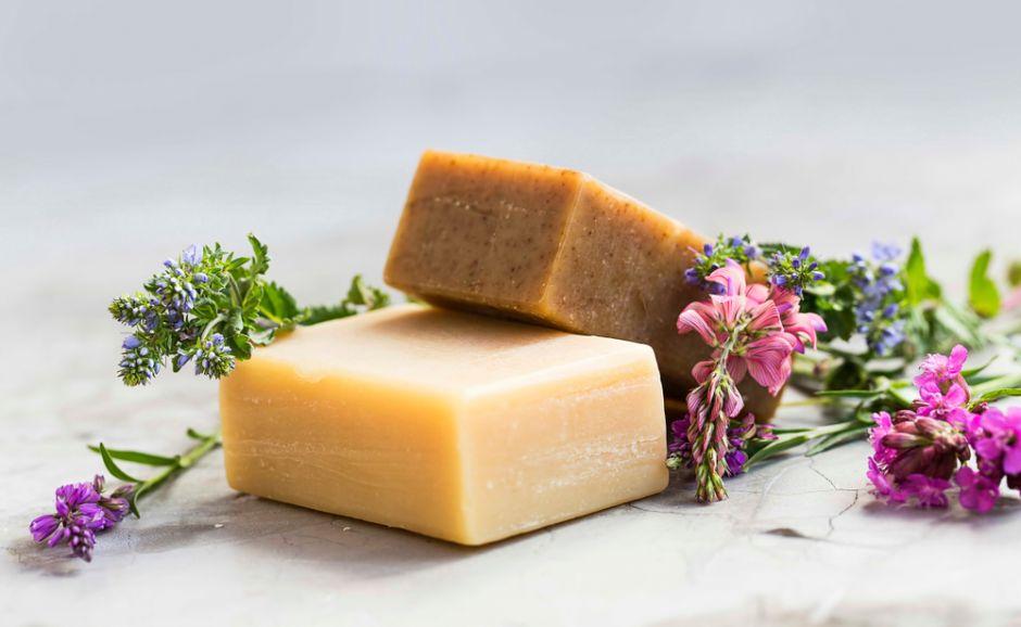 Los 4 mejores jabones naturales para el cuidado de la piel sensible