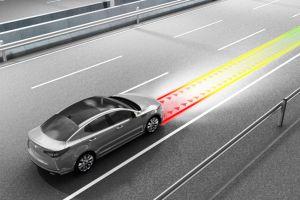 ¿Cuándo debemos usar control de velocidad crucero de nuestro auto y en qué nos beneficia?