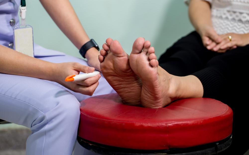 ¿Cuáles son los síntomas y tratamientos para el pie diabético?