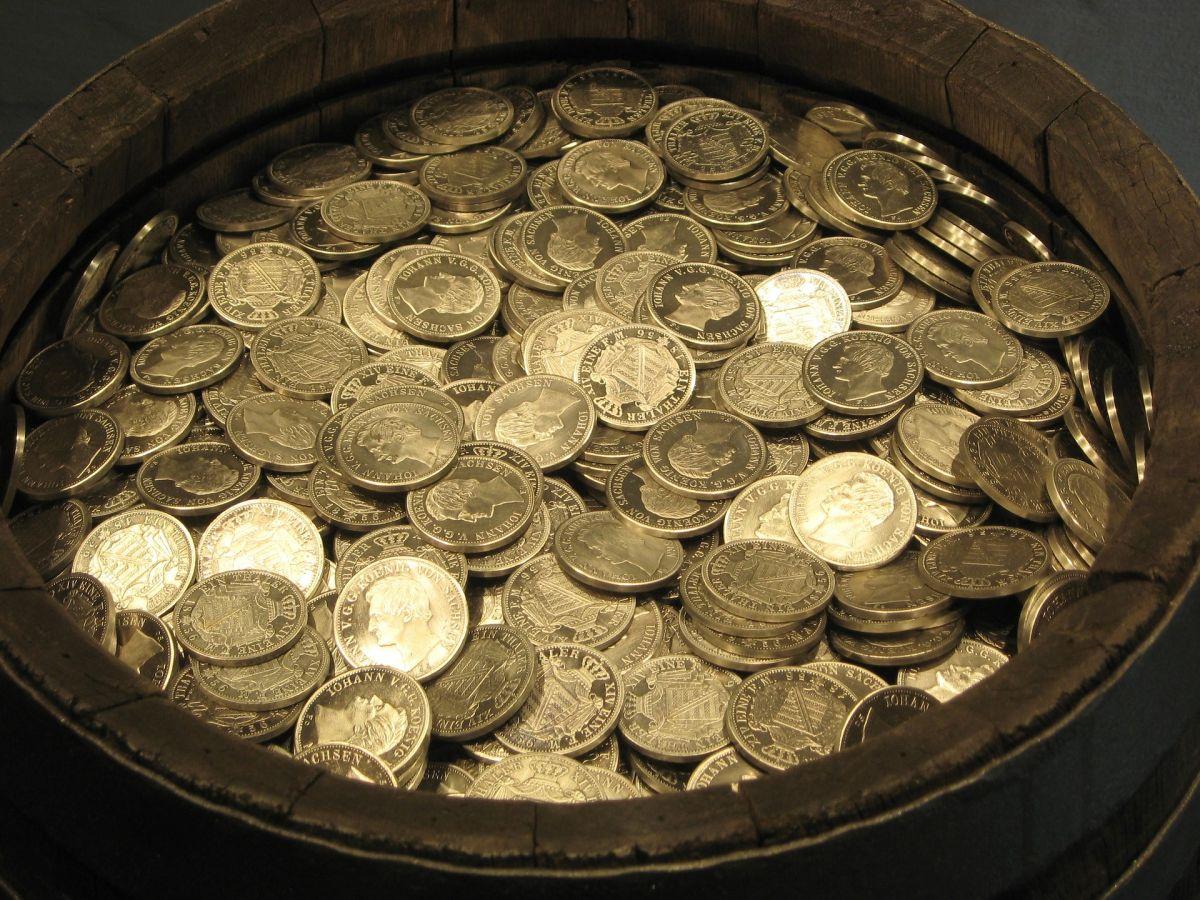 Hallan un tesoro vikingo valorado en 15 millones y acaban en la cárcel