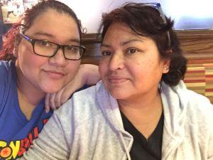 Niegan visa a madre y abuela mexicana bajo el pretexto de ser una carga pública