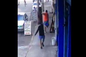 VIDEO: Captan cómo sicarios matan despiadadamente a hombre en México