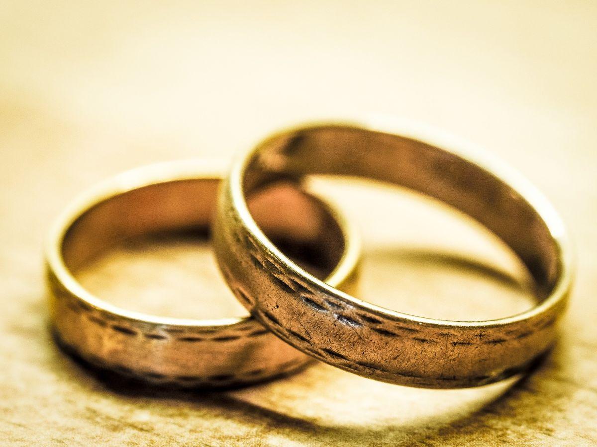 """Suegra le """"arruina"""" el día más importante en su vida por este detalle con los anillos de boda"""
