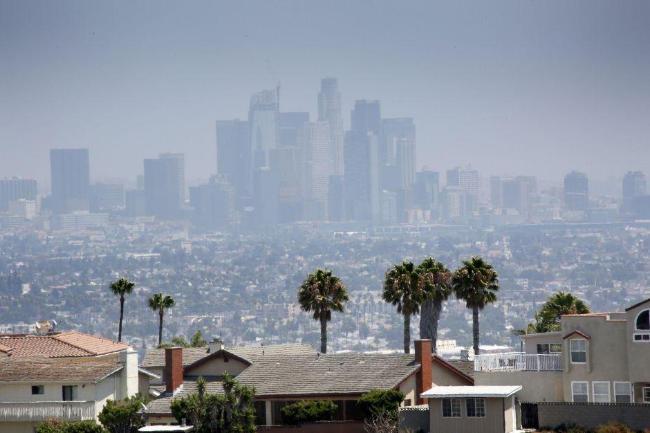 A los latinos de California les preocupa la contaminación mucho más que a los demás