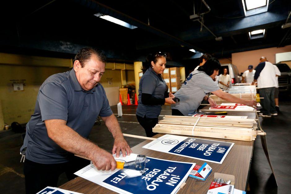 Trabajadores de supermercados Ralph, Vons, Pavillions y Albertson podrían ir a huelga