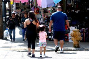 Reporte de CDC: Niños latinos y afroamericanos son los más afectados por COVID-19